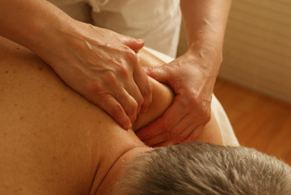 shoulder massage at Mount Tamborine eases pain